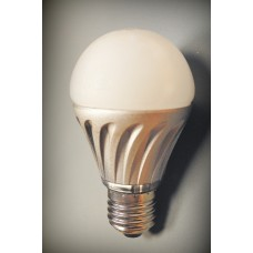 LED 7W 100-240V E27